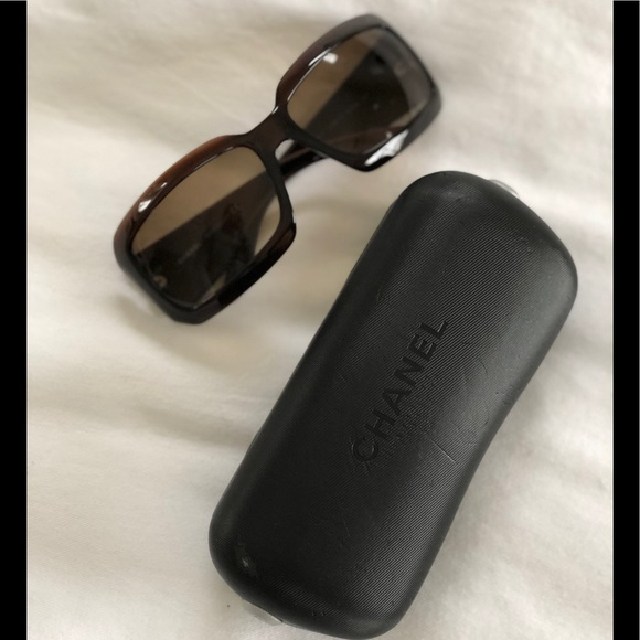 1daeb075c65 CHANEL Accessories - CHANEL Tortoise Shell   Mother of Pearl Sunglasses